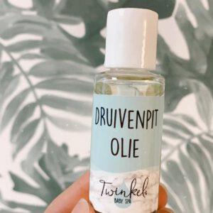 druivenpitolie-twinkel-baby-spa-massage